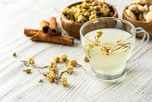 чай от лайка и канела за понижаване на кръвната захар