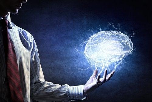 Блокирайте негативни мисли, за да спрете паническата атака.