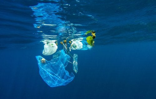 пластмасови предмети в океана
