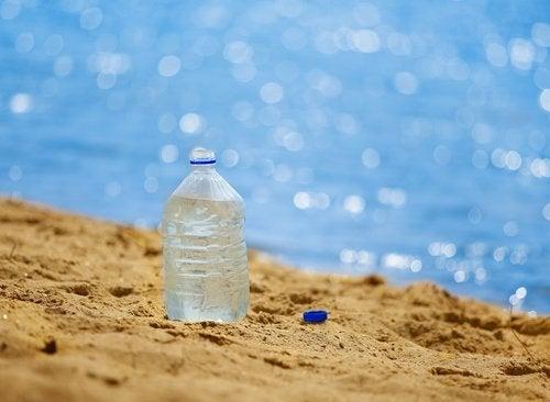 Пластмасата е навсякъде около нас.