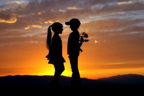 хормонът на любовта ни кара да изпитваме тази интензивна страст в началото на връзката