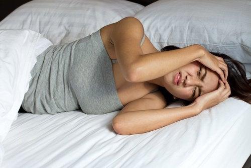 Причини за сутрешното главоболие: сънна апнея