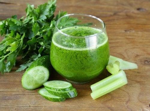 5 детоксикиращи смутита с краставици, които трябва да опитате