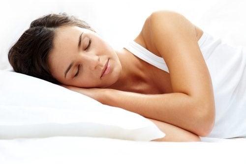 Как да регулираме мелатонина и съня си по-добре