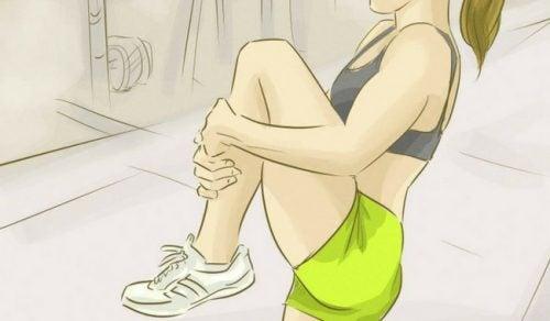 Заменете типичните упражнения за корем с тези страхотни алтернативи