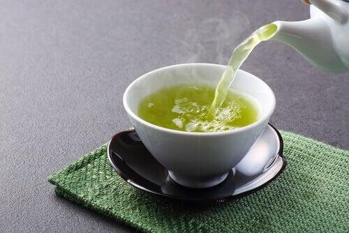 зелен чай при висока кръвна захар