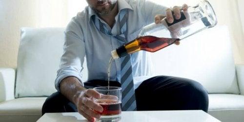 Липсата на желание да пиете безалкохолно е сигнал за пристрастяване към алкохола