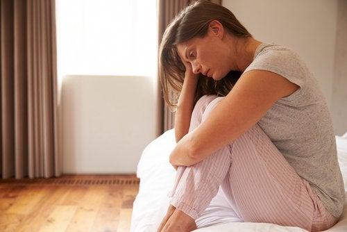 синдрома на поликистозните яйчници може да доведе до депресия
