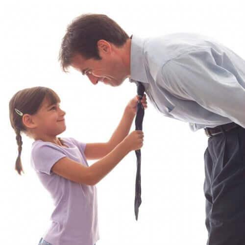 баща с дъщеря на работа
