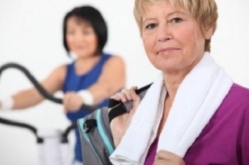 проблеми с менопаузата се решават с поече физическа активност