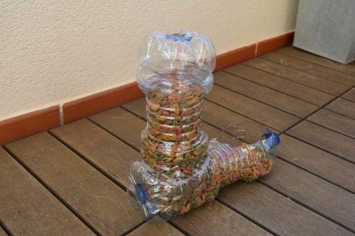 хранилка чрез използване на пластмасовите бутилки
