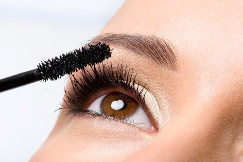 качествена козметика за по-красиви мигли