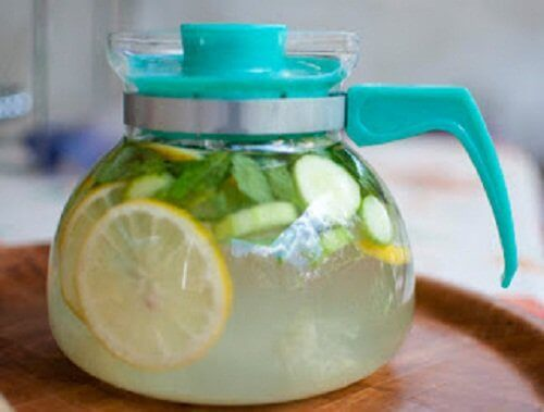 напитка с джинджифил и лимон