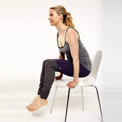 упражнения със стол - повдигане
