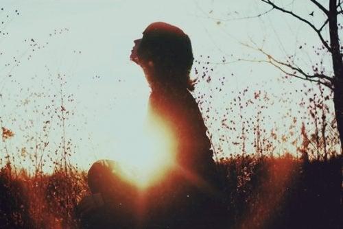 Какво казва науката за хората, които се радват на самотата