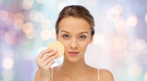 консумацията на мед прави кожата ви по-чиста