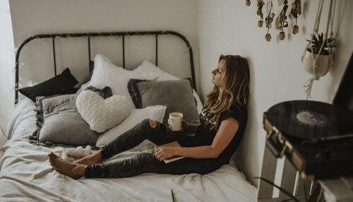 7 източващи енергията ви навици, от които трябва да се откажете
