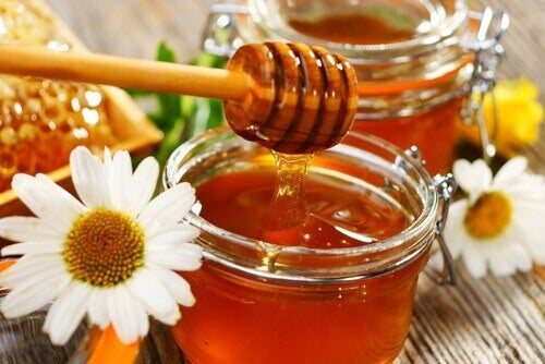 третиране на келоидните белези с мед