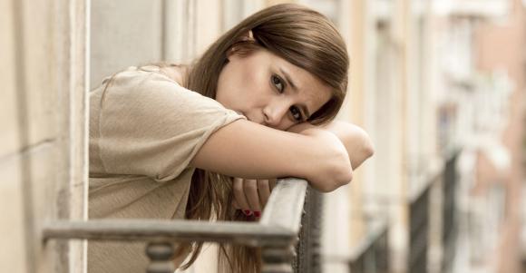 ограничете натрапчиви мисли за по-добро справяне с тревожността