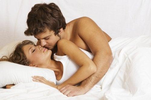 секс пози - поза лъжички