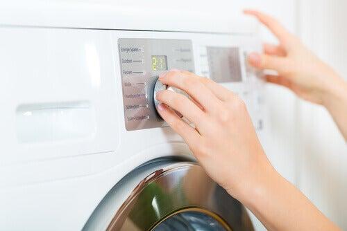 прането на дрехите е задължително, ако имате въшки