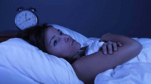 Безсънието е в следствие на нарушения на щитовидната жлеза