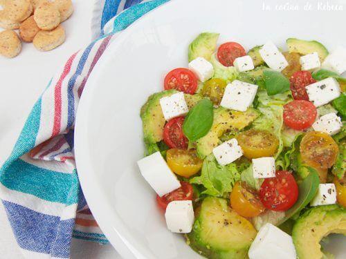 консумирайте зехтин и авокадо, за да се отървете от мазнините на корема