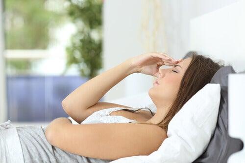 умора и безсъние при високо ниво на кортизола
