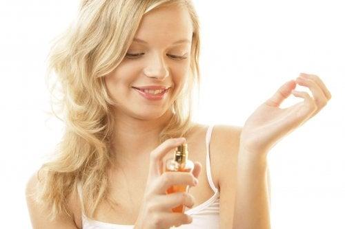 приложения на вазелина - по-траен парфюм