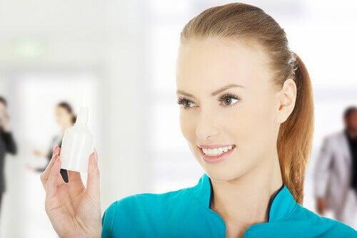 водороден пероксид за почистване на ушите