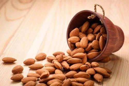 Ползите за организма от ежедневната консумация на бадеми