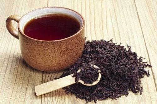 терапия за ранното побеляване на косата с черен чай