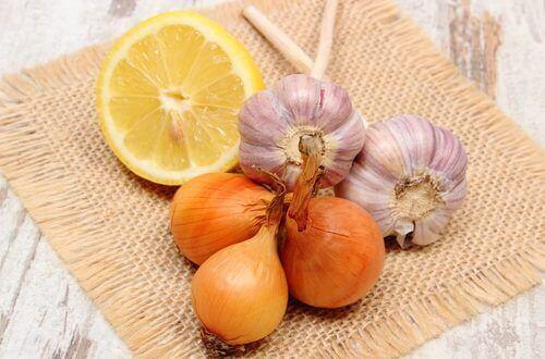 чесън, лук и лимон против оплешивяване