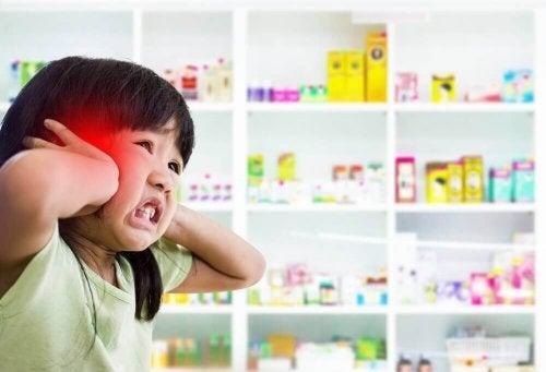 при наличие на менингит съществува чувствителност към светлина