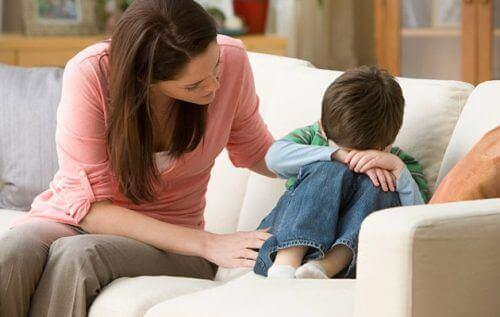 децата, които не са били обичани, не чувстват емпатия в по-късните си години
