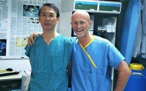 доктор Канаверо е част от екипа на първата трансплантация на глава