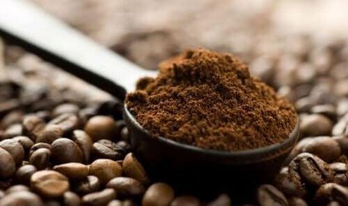 кафе срещу ранното побеляване на косата