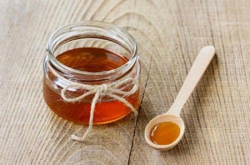 мед за справяне с вагиналния сърбеж