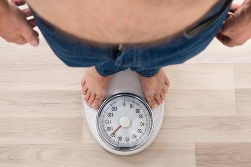 наднормено тегло и връзката му с високото кръвно налягане