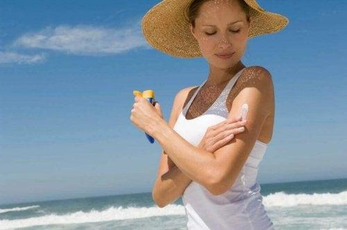 пазете кожата си, защитавайте се от слънцето по естествен начин