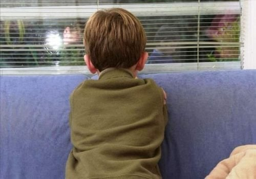 наблюдавайте за промени в поведението на детето, може да са знак за сблъсък с насилниците
