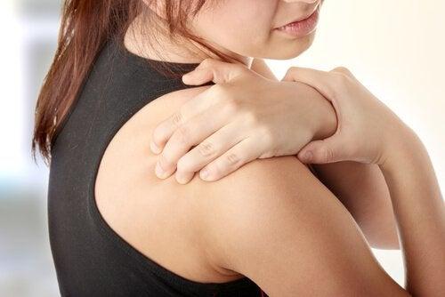 Как да лекувате болката в раменете