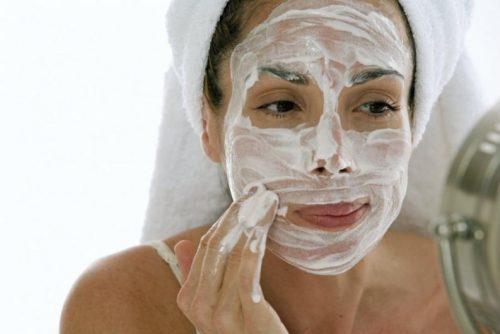 маска за лице с продукти от домакинството