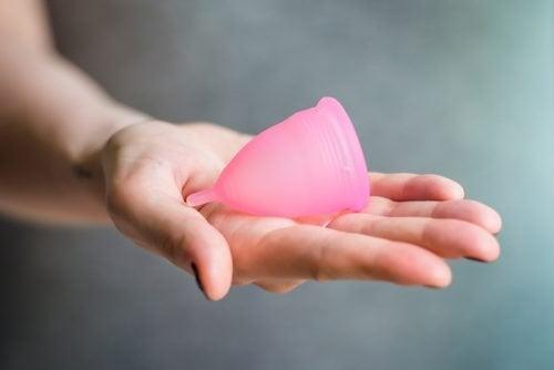 Всичко за менструалната чашка