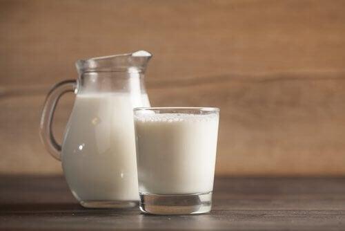 прясно мляко против безсъние