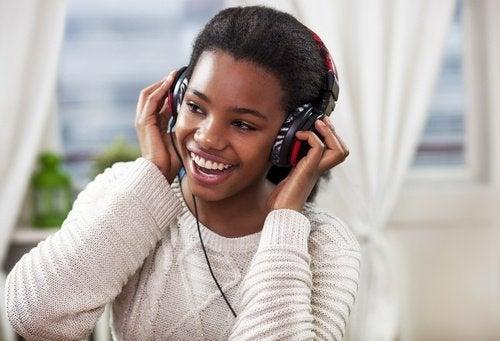 слушайте музика, за да подобрите паметта си
