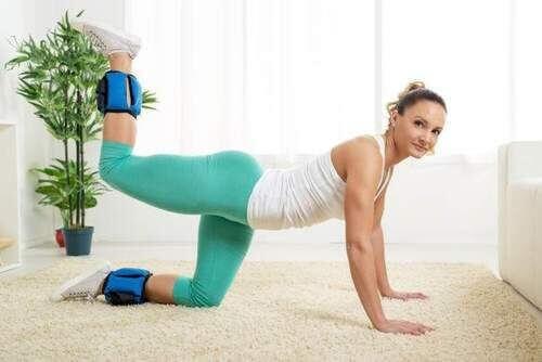 Конският ритник е упражнение, което оформя дупето, увеличава големината му и го стяга.