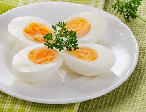 сварени яйца против безсъние