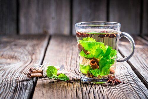 понижаване на нивото на кръвната захар със зелен чай