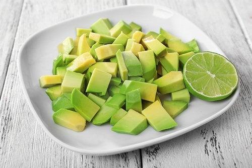 витамините от вида В в авокадото се борят с безпокойството и успокоят нервната система